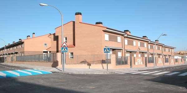Venta y alquiler de viviendas en madrid pryconsa for Piscina ciempozuelos