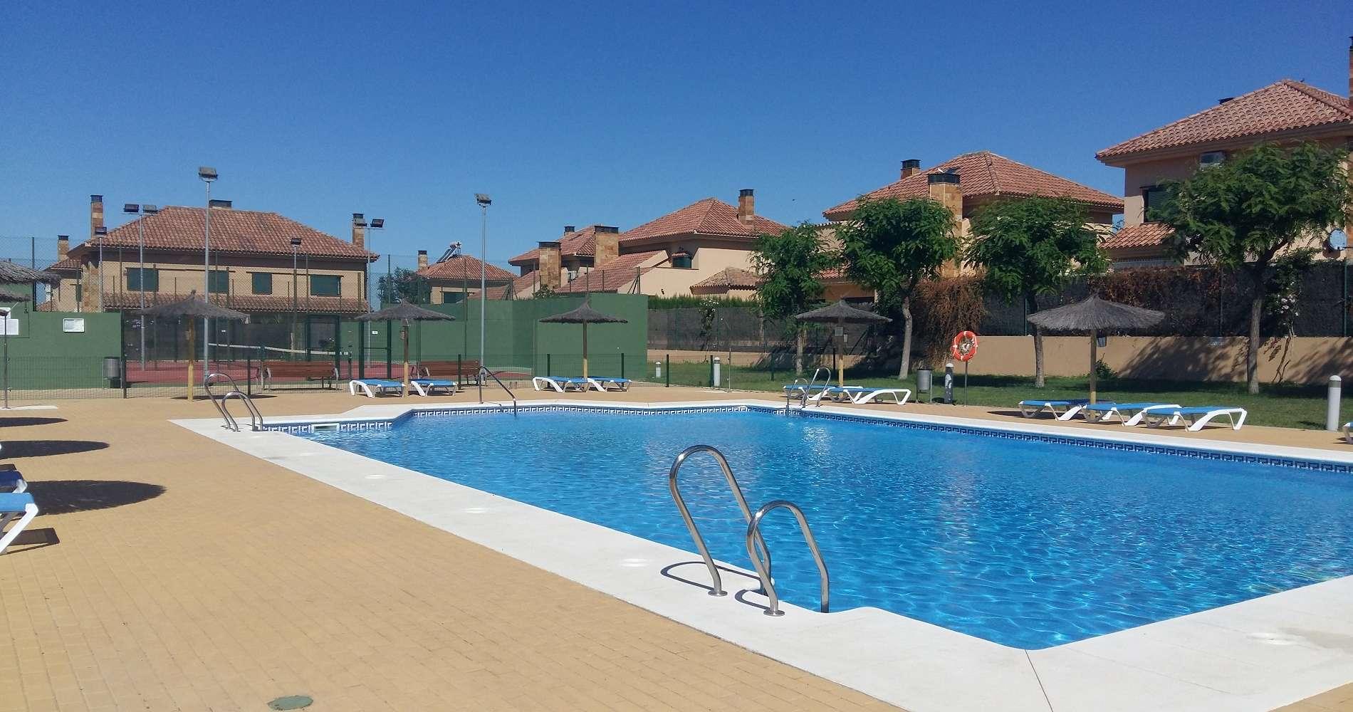 Venta y alquiler de pisos y casas inmobiliaria pryconsa for Alquiler vacacional sevilla piscina